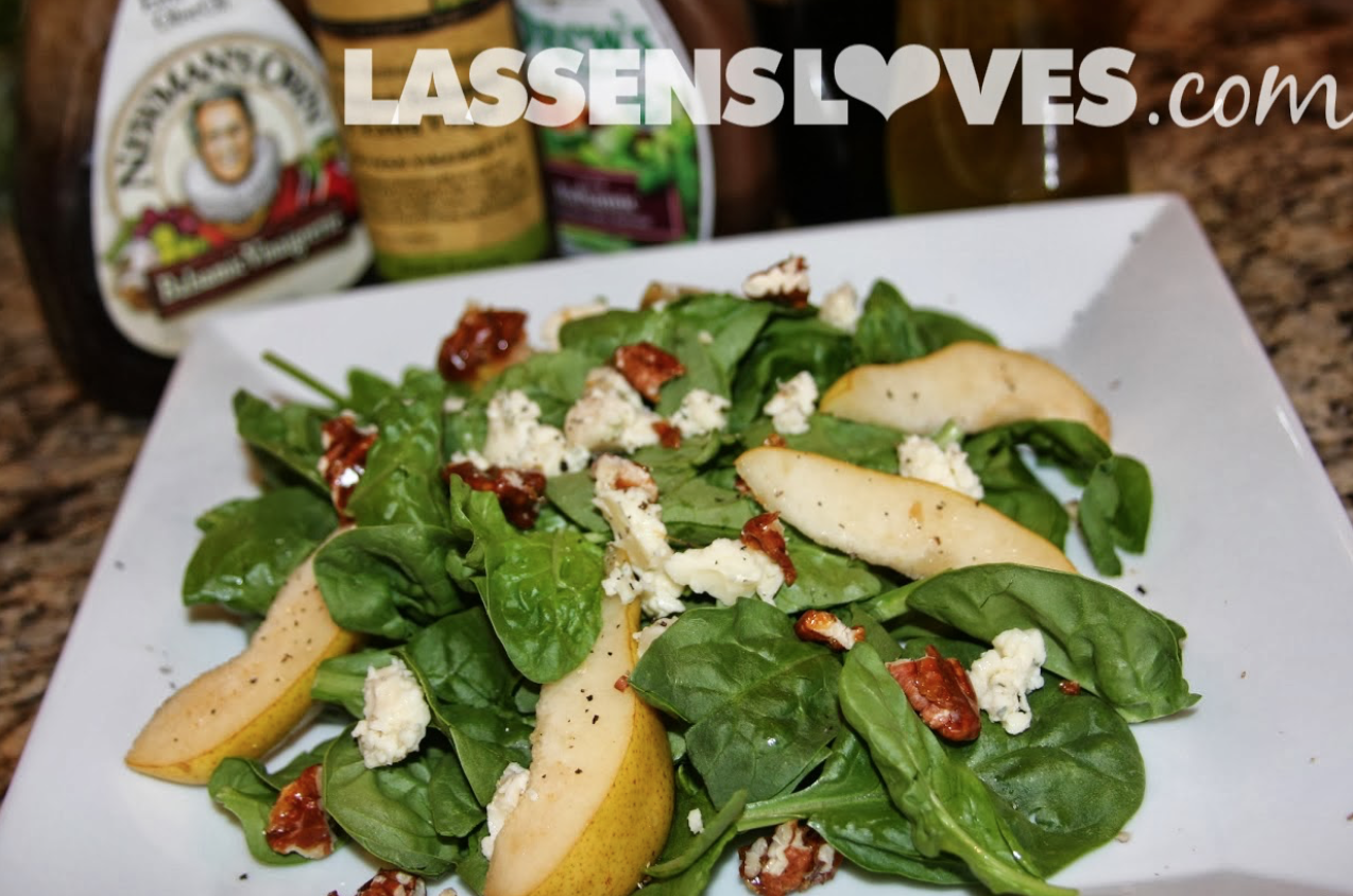 spinach+salad, easy+salad, pear+salad, gorgonzola+cheese, easy+salad+recipes, Newman's+Balsamic+Dressing, balsamic+vinegar, delicious+salad, spinach+recipes
