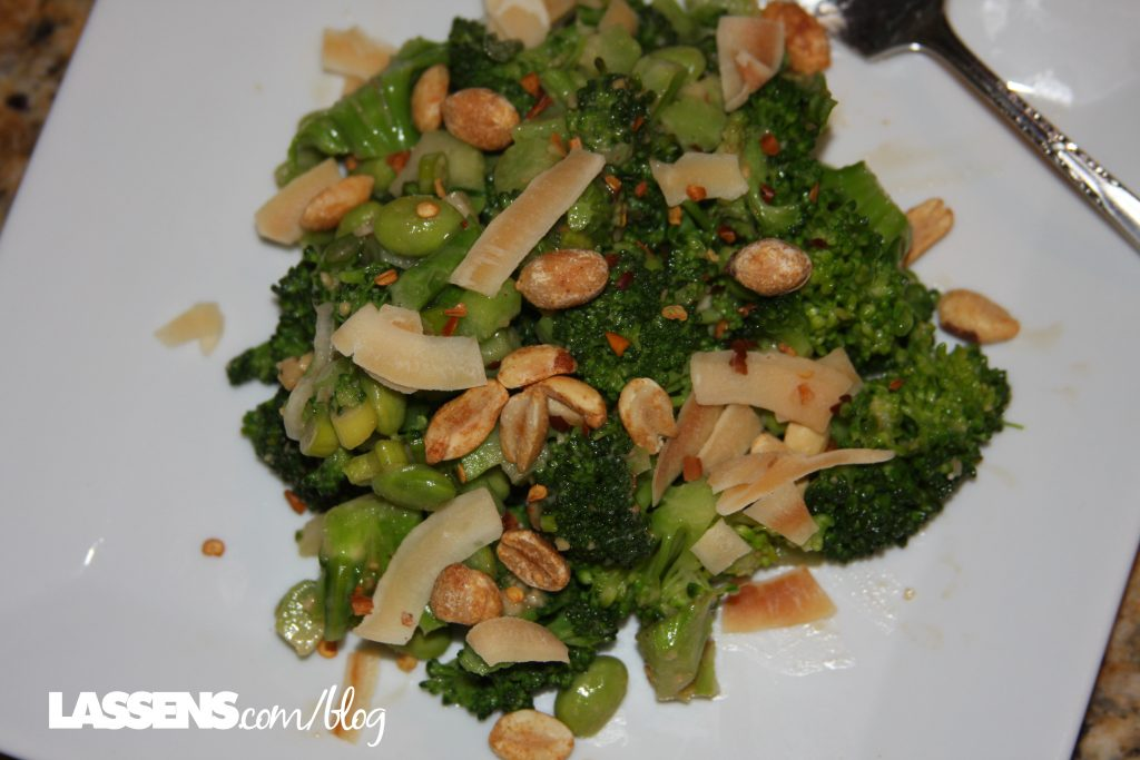 lassens.com/blog, Lassen's, Lassens, broccoli+salad, peanut+sauce, healthy+salad, Thai+peanut+dressing,