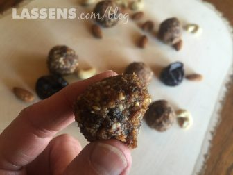 energy+bites, healthy+snacks, nut+and+date+bites, quick+energy+foods